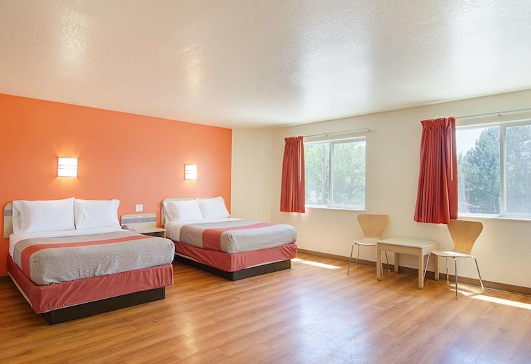 Motel 6 Fort Lupton, CO, Fort Lupton, Standard-Suite, 2Doppelbetten, Nichtraucher, Kühlschrank und Mikrowelle, Zimmer