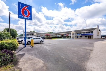 Picture of Motel 6 Anniston in Oxford