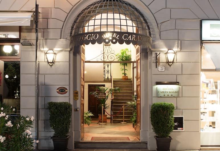 Hotel Caravaggio, Florencia, Pohľad na hotel – večer/v noci