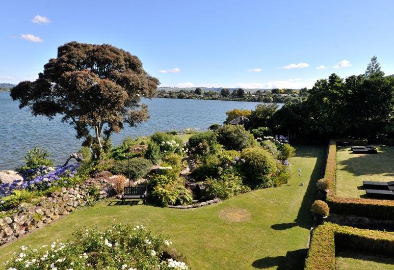 Black Swan Lakeside Boutique Hotel, Rotorua, Terrein van accommodatie