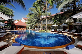 Choose This Mid-Range Hotel in Patong