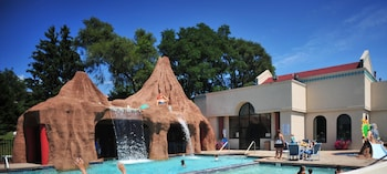 Picture of Atlantis Waterpark Hotel & Suites in Wisconsin Dells