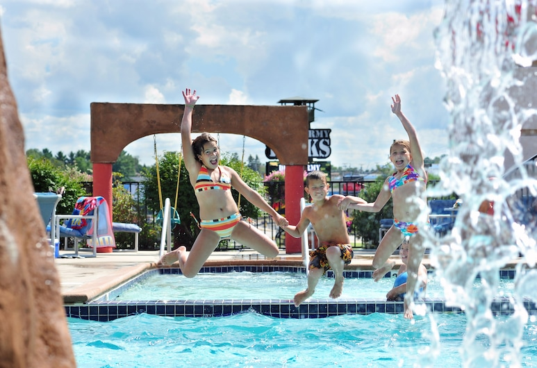 Atlantis Waterpark Hotel & Suites, Wisconsin Dells, Lauko baseinas