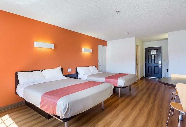 Motel 6 Williams, AZ - West - Grand Canyon, Williams, Standard Room, 2 Queen Beds, Non Smoking, Guest Room