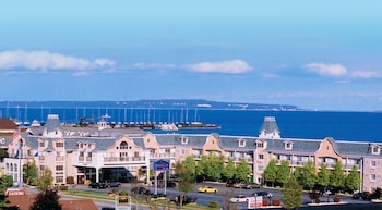 Mynd af Hamilton Inn Select Beachfront í Mackinaw City