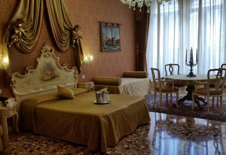 Locanda Ca' Le Vele, Venice, Superior Quadruple Room, Sea View, Living Area