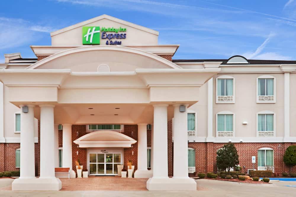 Holiday Inn Express & Suites Waxahachie, an IHG Hotel