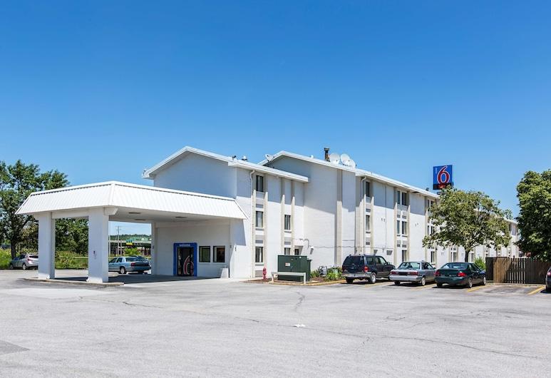 艾奧瓦康瑟爾崖 - 奧馬哈東 6 號汽車旅館, 康索布魯夫斯