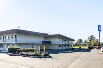 Picture of Motel 6 Oroville in Oroville