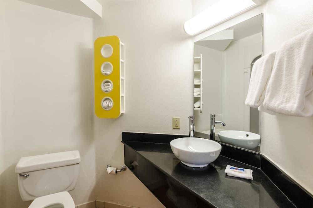 Standardzimmer, 1King-Bett, barrierefrei, Nichtraucher - Badezimmer