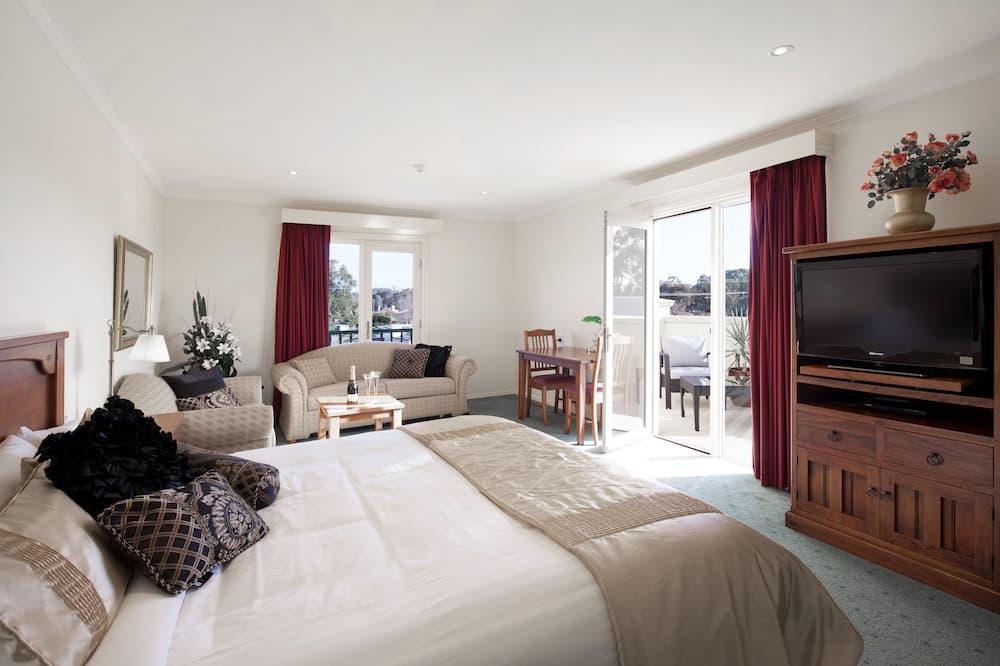 Executive-Zimmer, 1King-Bett und Schlafsofa, Nichtraucher, Whirlpool (with Sofabed) - Zimmer