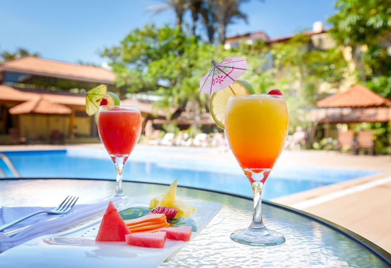 麗笙哥斯大黎加聖荷西機場鄉村套房飯店, 希烏達德卡里阿里, 游泳池