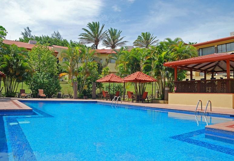 Country Inn & Suites by Radisson, San Jose Aeropuerto, Costa Rica, Ciudad Cariari, Pool