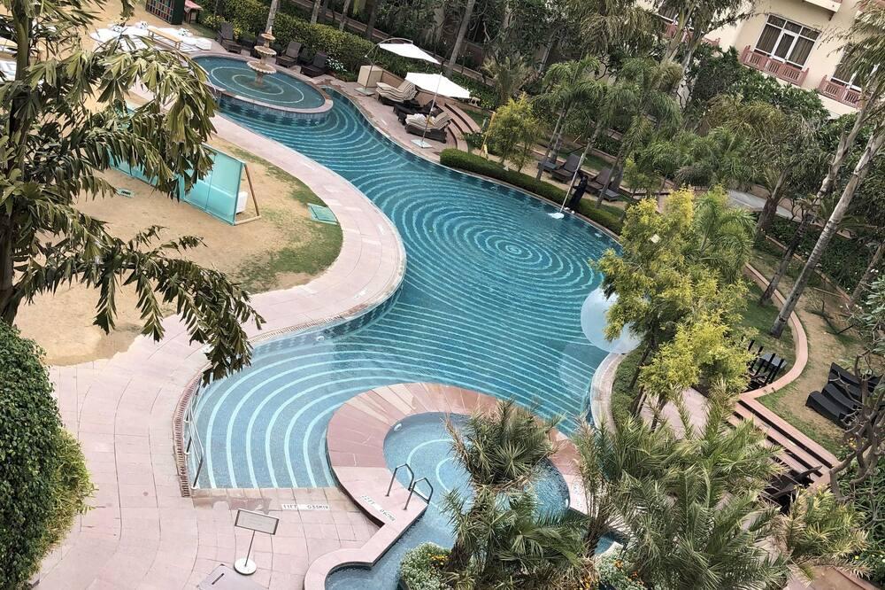 Premium Room, 2 Twin Beds, Non Smoking - Pool