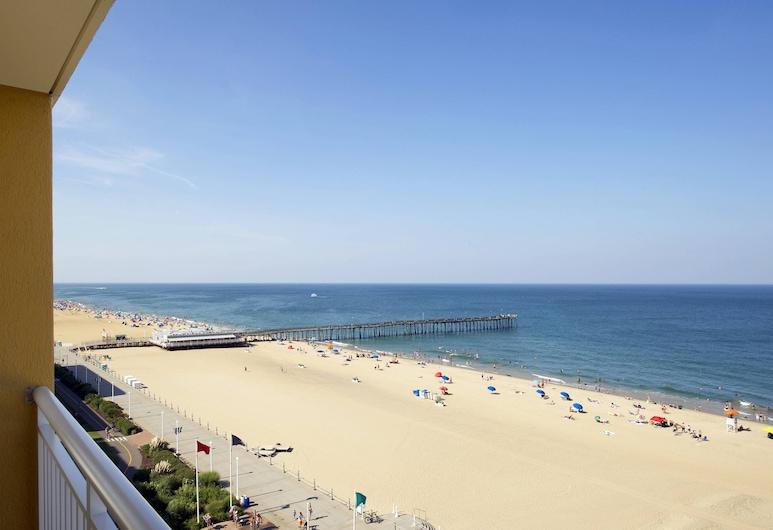 Four Points By Sheraton Virginia Beach Oceanfront, Virginia Beach, Room, 2 Queen Beds, Balcony, Oceanfront, Guest Room