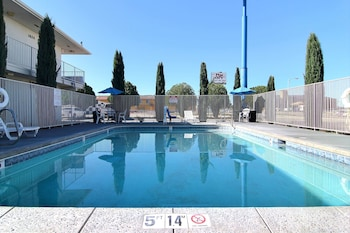 Enter your dates to get the Carlsbad hotel deal