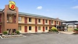 Reserve this hotel in Jackson, Tennessee