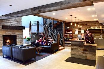 Picture of Boulder Adventure Lodge in Boulder