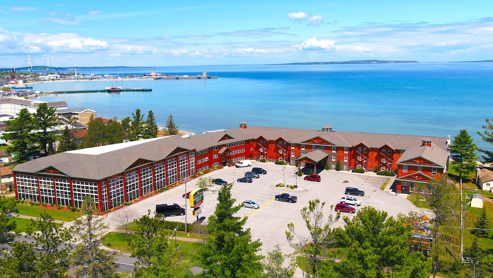 Bridge Vista Beach Hotel Convention Center Mackinaw City