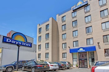 Picture of Days Inn Brooklyn in Brooklyn
