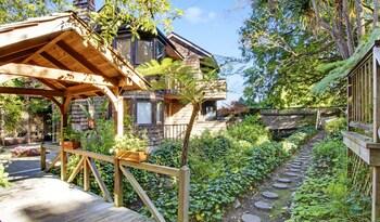 Picture of Babbling Brook Inn in Santa Cruz