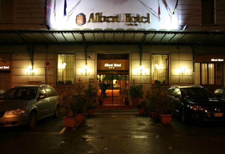 Albert Hotel, Μιλάνο, Είσοδος ξενοδοχείου