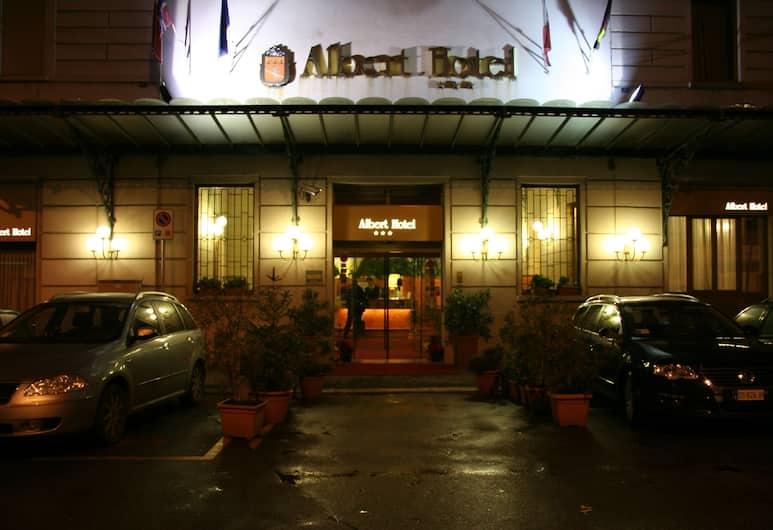 Albert Hotel, Milan, Hotel Entrance