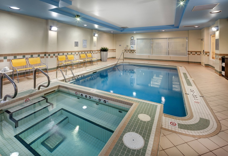Fairfield Inn and Suites by Marriott Toronto Airport, Mississauga, Piscina