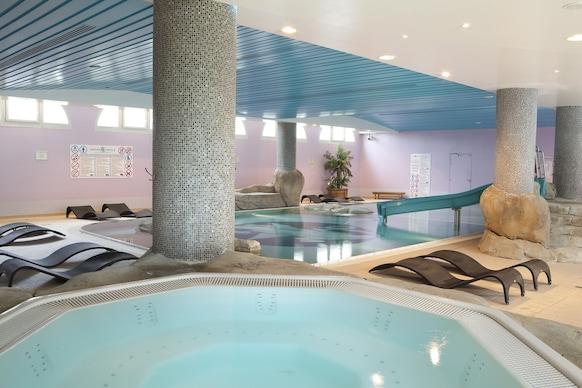 Dream Castle Hotel, Magny-le-Hongre, Piscine couverte