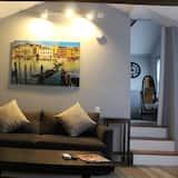 Cottage Suite - Living Area