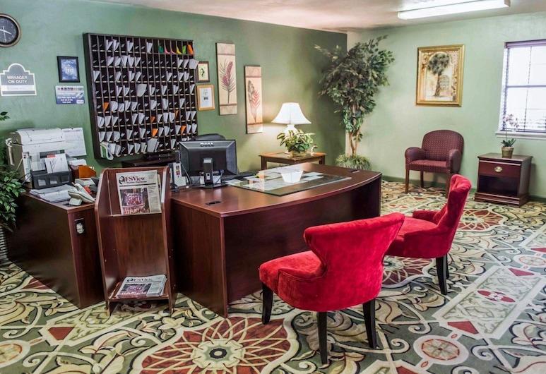 Suburban Extended Stay Hotel Tallahassee near University, Tallahassee, Vestibyle