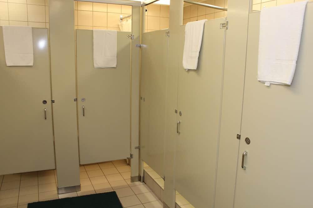 חדר אקונומי, 2 מיטות יחיד, חדר רחצה משותף - חדר רחצה