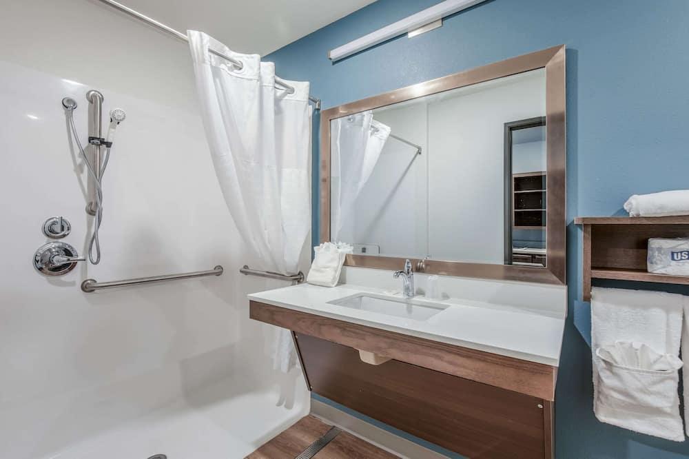 Habitación, 1 cama Queen size, con acceso para silla de ruedas, para no fumadores (Roll-in Shower) - Baño
