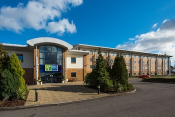 Picture of Holiday Inn Express Newport in Newport