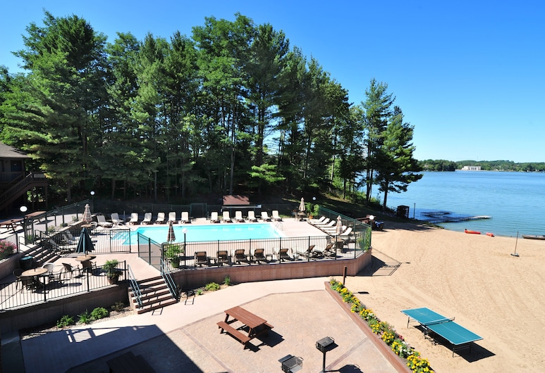 Baker's Sunset Bay Resort, Wisconsin Dells, בריכה חיצונית