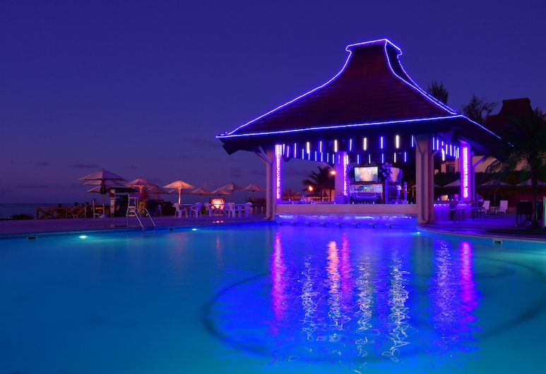 Aqua Resort Club Saipan, Saipan, Outdoor Pool