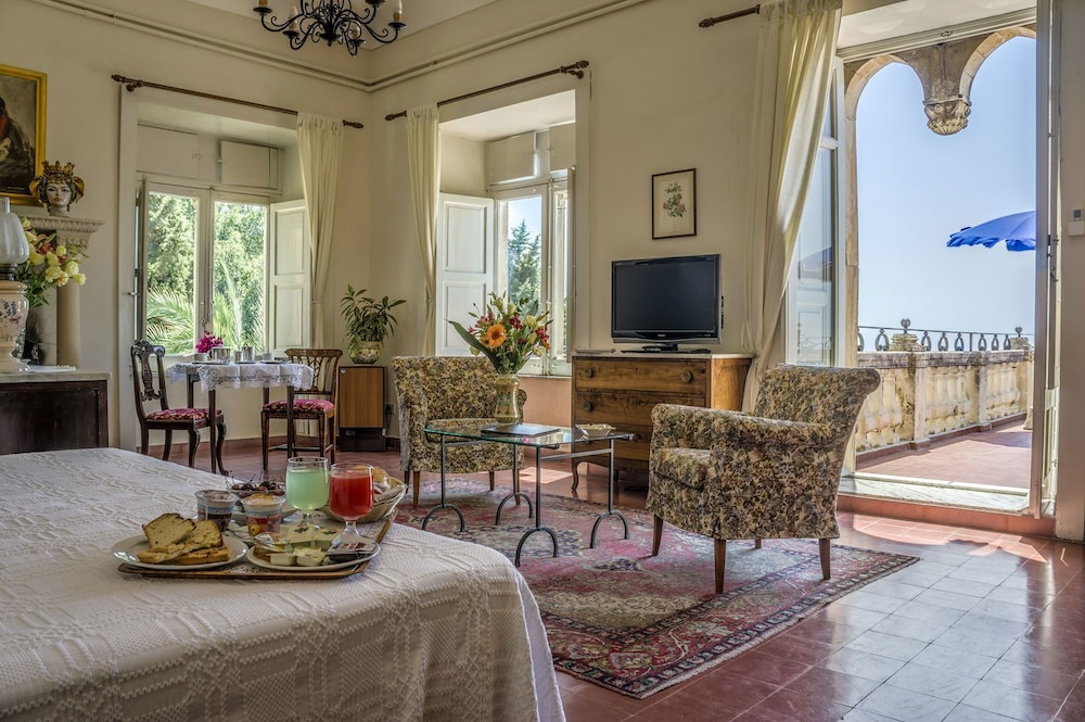 Prenota Hotel Bel Soggiorno a Taormina - Hotels.com