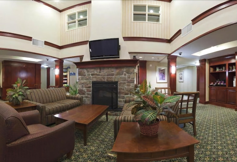 Staybridge Suites Cranbury, Кренбері, Вестибюль