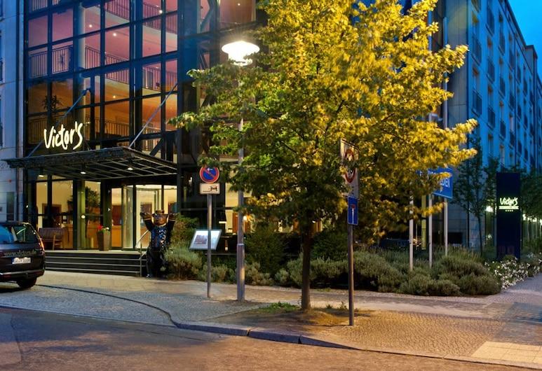 Victor's Residenz-Hotel Berlin, Berlin, Hotel Front – Evening/Night