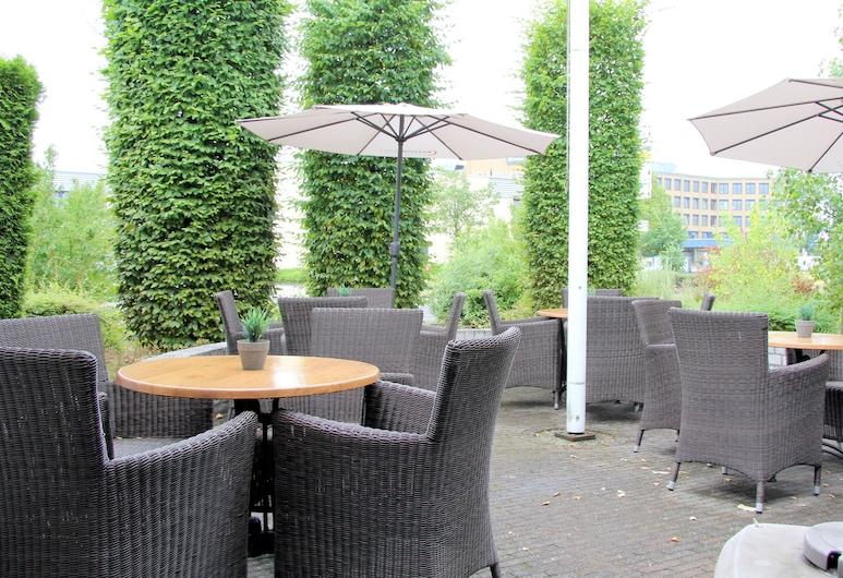Bastion Hotel Düsseldorf Neuss, Neuss, Terraza o patio
