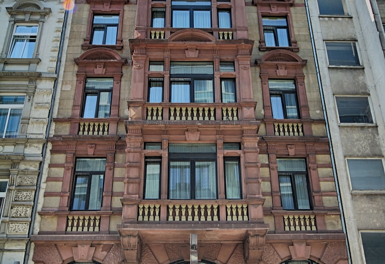 Hotel Carlton, Francoforte, Ingresso hotel