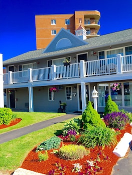 Mynd af Nantasket Hotel at the Beach í Hull
