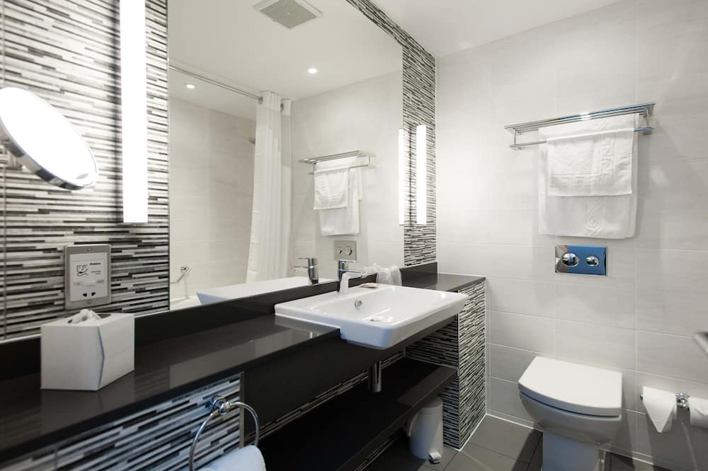 Executive Room, 1 King Bed, Non Smoking - Bathroom
