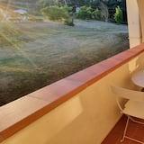 Kamar Triple Klasik - Balkon