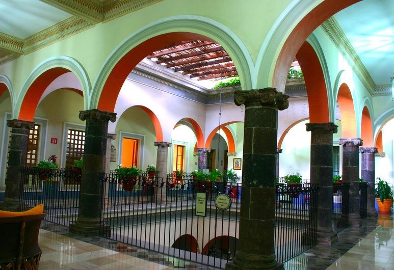 Best Western Plus Hotel Ceballos, Colima, Living Area