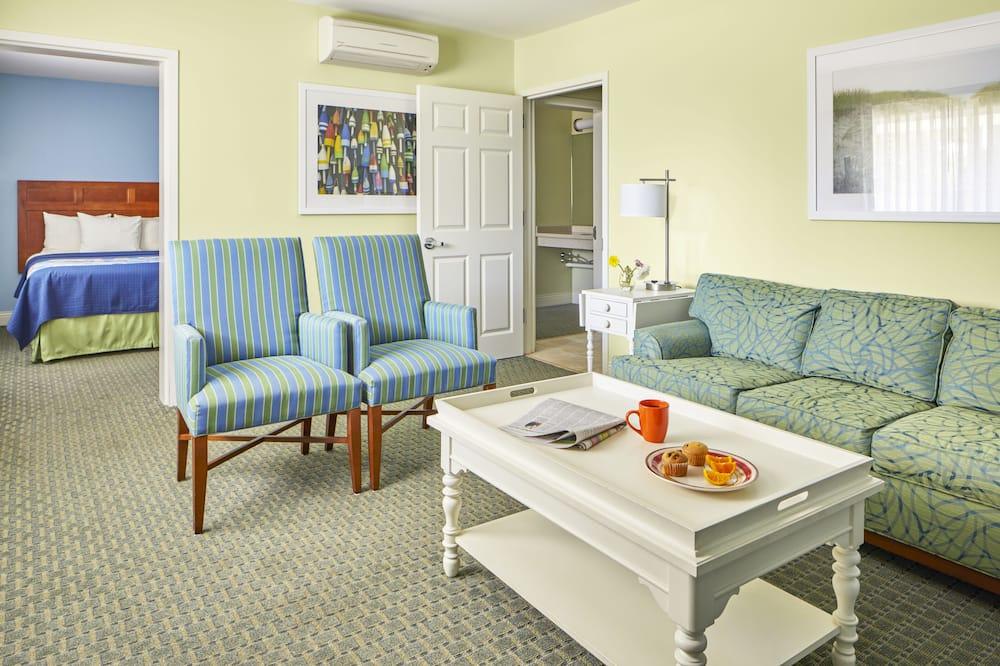 Standard Suite, Multiple Beds, Accessible - Living Area