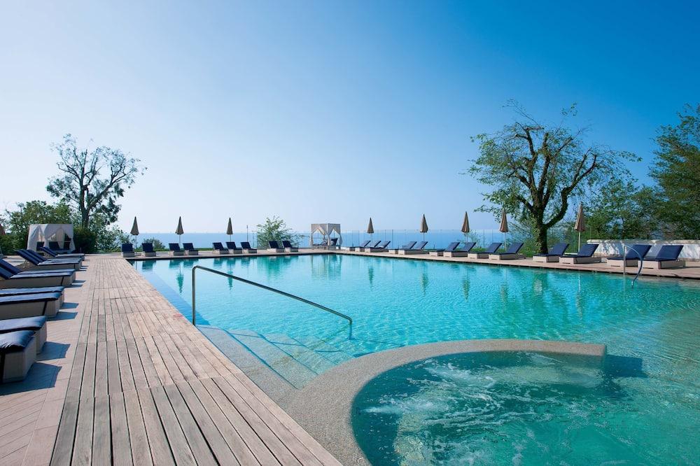Nastro Azzurro Resort