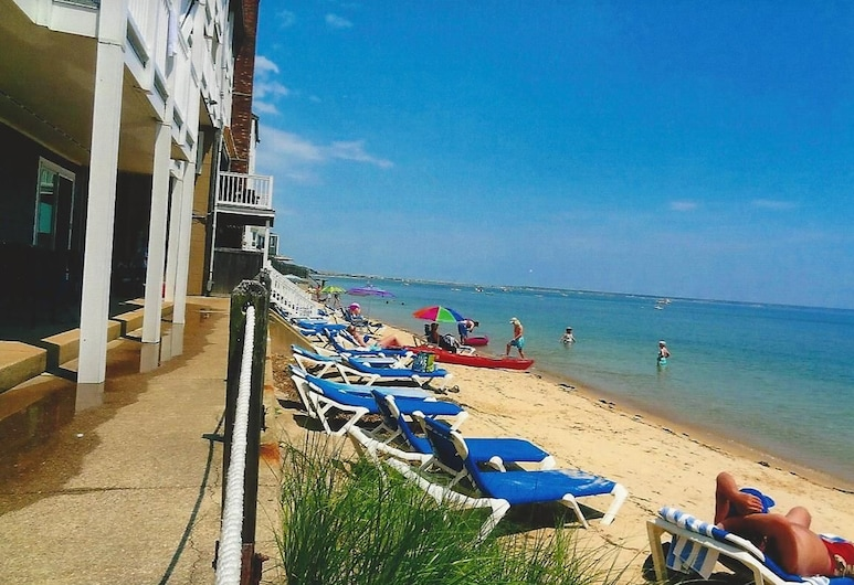 Surfside Hotel and Suites, Provincetown, Beach
