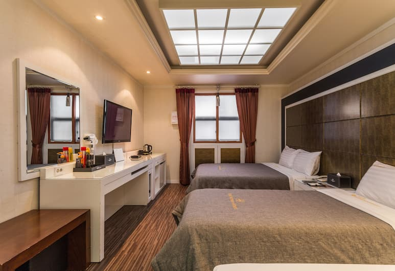 Incheon Airport Hotel, Incheon, Family Room (Included Junior single bed), Guest Room