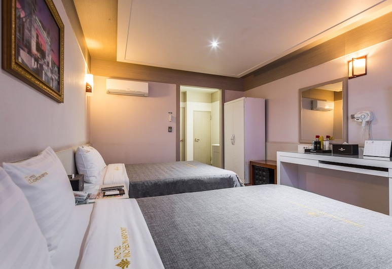 Incheon Airport Hotel, Incheon, Family Twin Room, 2 Double Beds, Guest Room